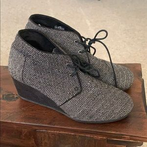 Toms bootie wedges size 11